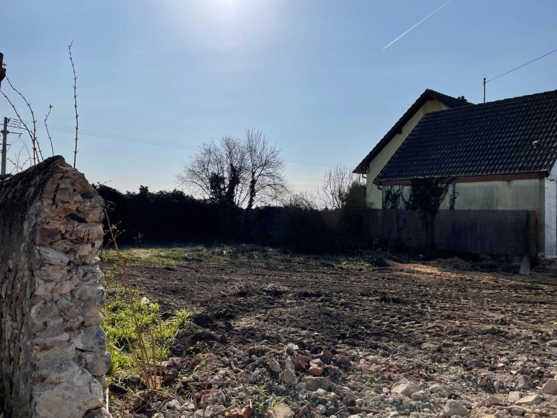 Terrain de 400 m² à Sainte-Croix-en-Plaine-